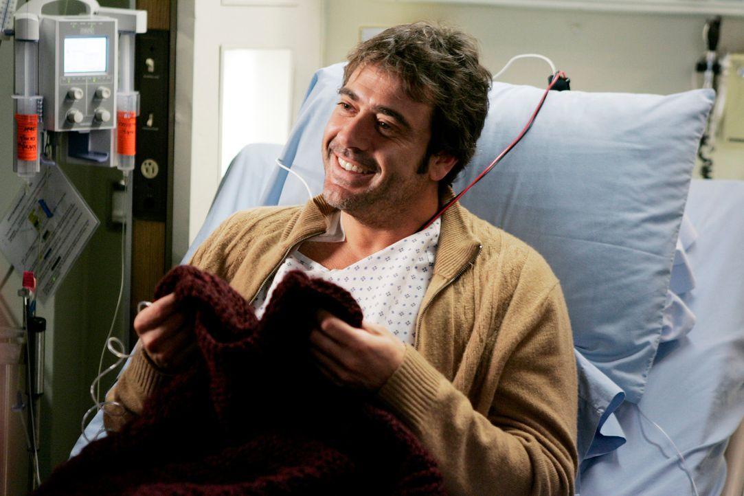Denny (Jeffrey Dean Morgan) freut sich sehr über Izzies Geschenk ... - Bildquelle: Touchstone Television