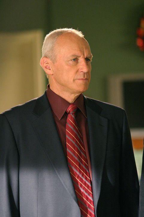 Chrismukkah, Seths Lieblingsfeiertag, steht vor der Tür, doch durch eine Neuigkeit von Caleb (Alan Dale) verläuft alles anders als geplant ... - Bildquelle: Warner Bros. Television