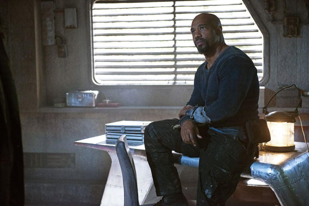 Wie weit wird Pike (Michael Beach) gehen können unter dem Vorwand, seine Leute in Sicherheit bringen zu wollen? - Bildquelle: 2014 Warner Brothers