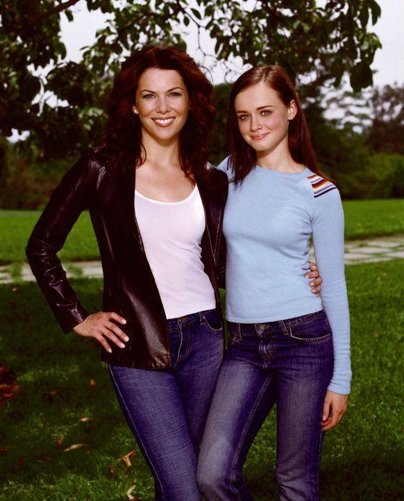 Ein eingespieltes Team: Mutter Lorelai (Lauren Graham, l.) und Tochter Rory (Alexis Bledel, r.) ... - Bildquelle: Warner Brothers International Television