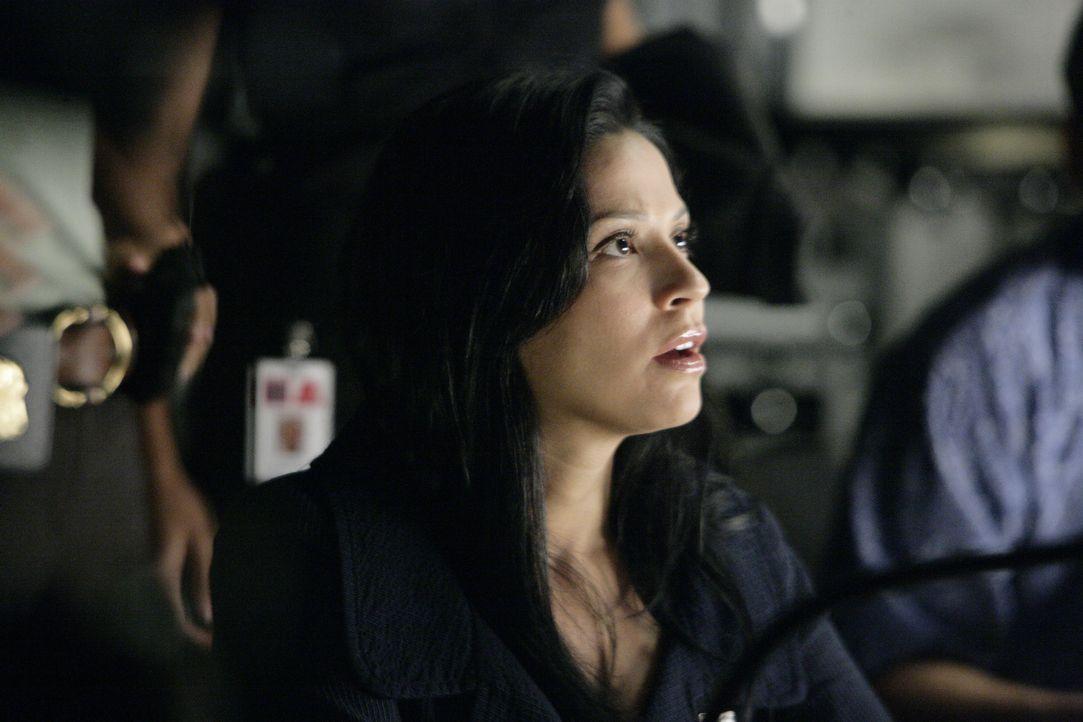 Noch stehen Amita (Navi Rawat) und ihre Kollegen vor einem Rätsel ... - Bildquelle: Paramount Network Television