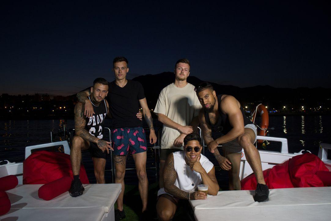 (v.l.n.r.) Ryan; Craig; Lawrence; Liam; Marco - Bildquelle: Twofour