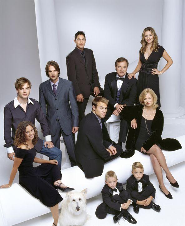 (9. Staffel) - Eine himmlische Familie: Simon (David Gallagher, hinten l.), Ruthie (Mackenzie Rosman, vorne l.), Matt (Barry Watson, hinten 2.v.l.),... - Bildquelle: The WB Television Network