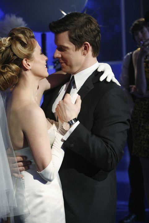 Auf immer und ewig: Daniel (Eric Mabius, r.) und Molly (Sarah Lafleur, l.) heiraten ... - Bildquelle: 2008   ABC Studios