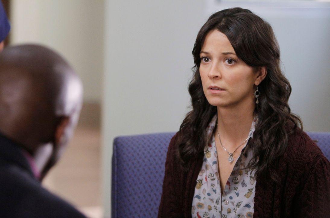 Sam (Taye Diggs, l.) hat eine schlecht Nachricht für Emily (Joey Honsa, r.) ... - Bildquelle: ABC Studios