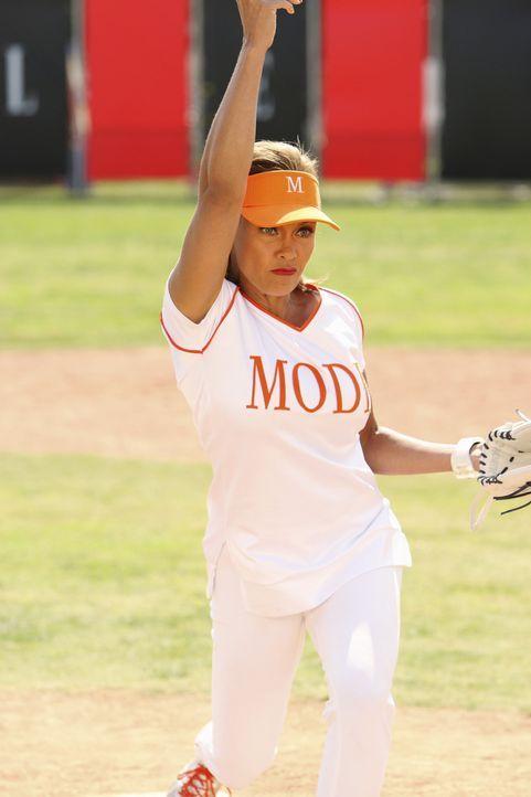 Softballturnier Mode gegen ELLE: Wilhelmina (Vanessa Williams) will partout Naomi Campbell, den Star der ELLE, rauskicken ... - Bildquelle: Buena Vista International Television