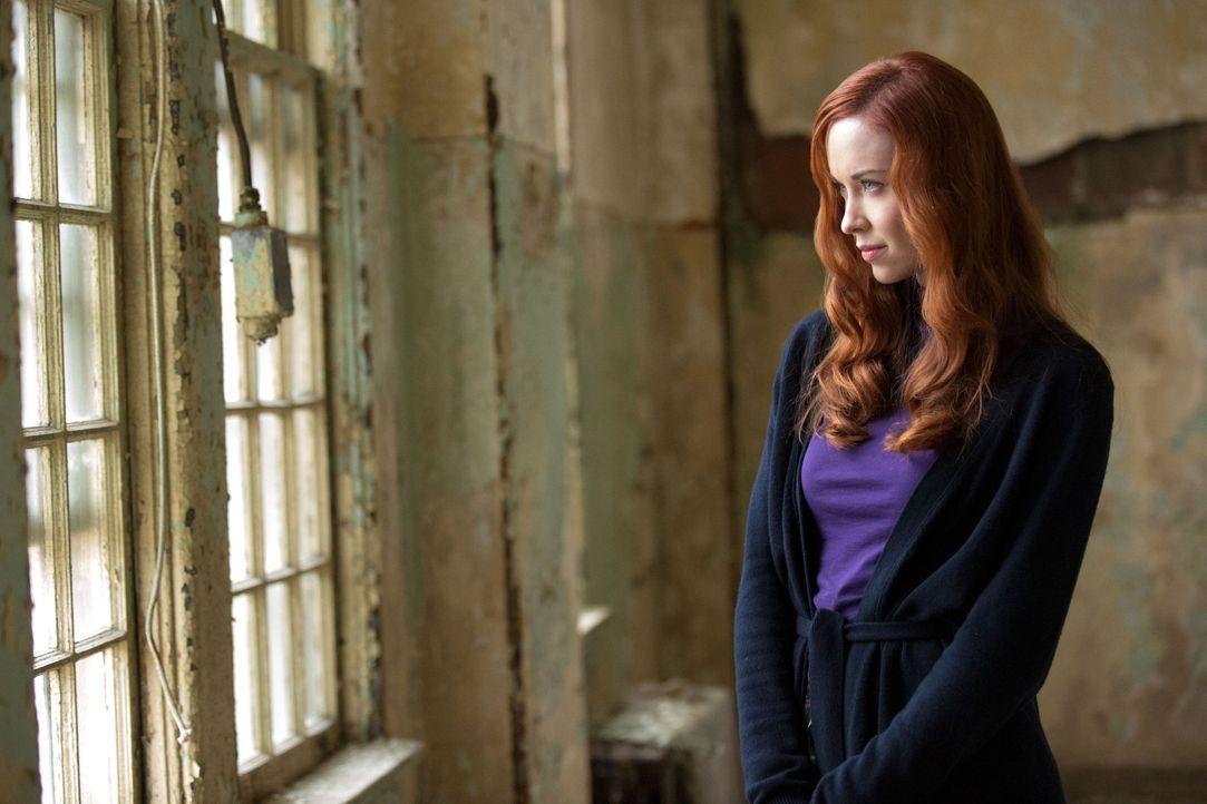 Genevieve bekommt ihre Rache - Bildquelle: Warner Bros. Entertainment Inc.