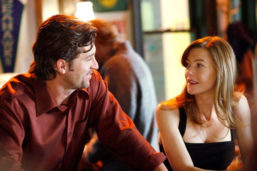 Derek (Patrick Dempsey, l.) gesteht Meredith (Ellen Pompeo, r.) seine Liebe und sagt ihr, sie solle sich alle Zeit der Welt nehmen, um ihre Entschei... - Bildquelle: Touchstone Television