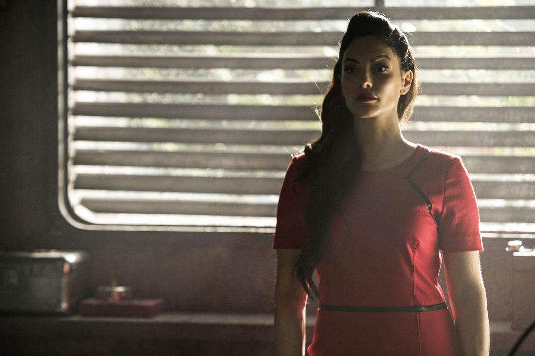 Wird sich Raven von Jaha überzeugen lassen, in Alies (Erica Cerra) Stadt des Lichts zu gehen? - Bildquelle: 2014 Warner Brothers