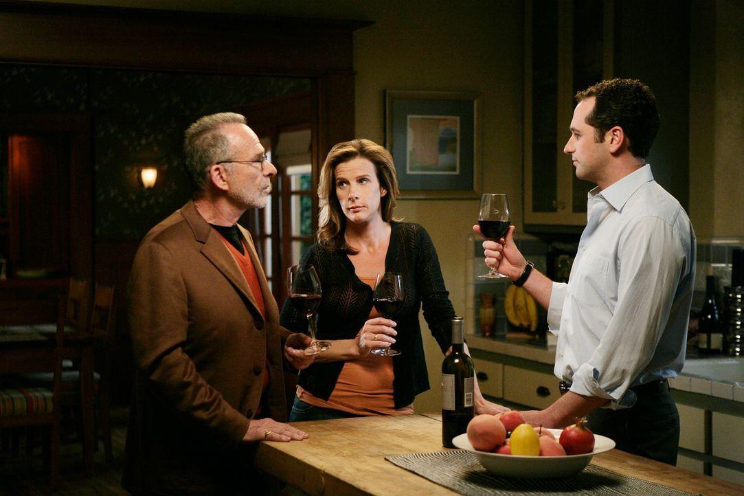 Kompletter Neuanfang: Saul (Ron Rifkin, l.) und Sarah (Rachel Griffiths, M.) verlassen Ojai, und Kevin (Matthew Rhys, r.) leugnet seine homosexuelle... - Bildquelle: 2008 ABC INC.