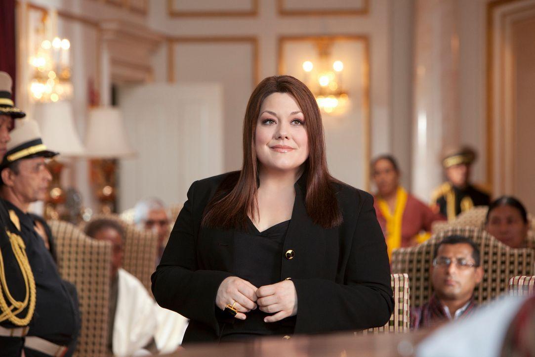 Kann Jane (Brooke Elliott) der jungen Leela Penjore helfen, einer Zwangsheirate mit dem Bhutanischen Prinzen zu entgehen? - Bildquelle: 2012 Sony Pictures Television Inc. All Rights Reserved.