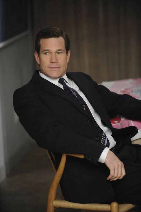 Eigentlich kann Sean (Dylan Walsh) fast nichts mehr erschüttern, doch der Wunsch einer Patientin, sich die Brustwarzen entfernen zu lassen, bringen... - Bildquelle: Warner Bros. Entertainment Inc. All Rights Reserved.