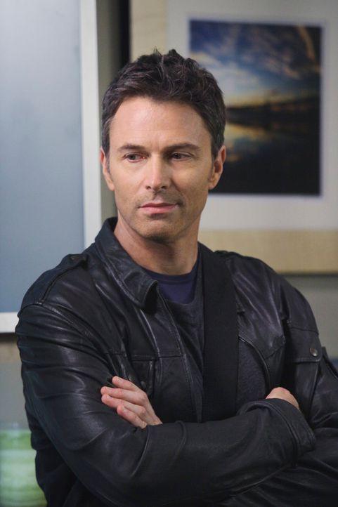 Nicht  nur für Addison, sondern auch für Pete (Tim Daly) ist es ein Schock, dass Violet und Captain gemeinsam im Bett gelandet sind ... - Bildquelle: ABC Studios