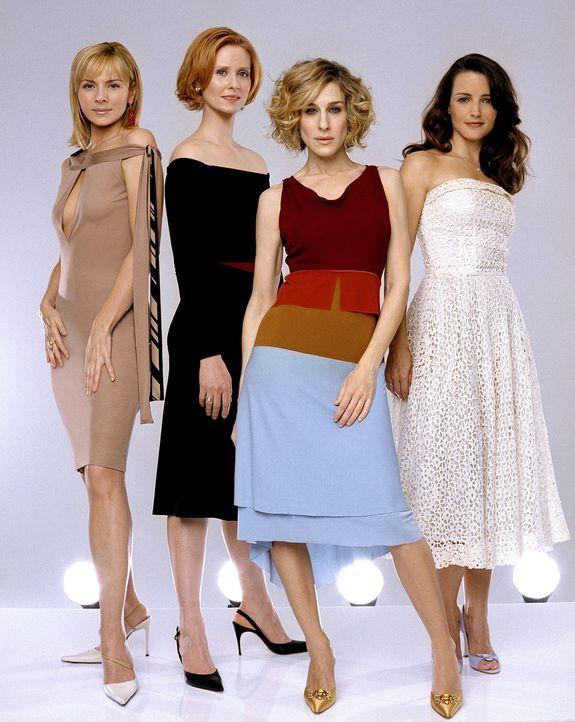 (5. Staffel) - Die vier erfolgreichen Frauen aus New York sind ein Herz und eine Seele: (v.l.n.r.) Samantha (Kim Cattrall), Miranda (Cynthia Nixon),... - Bildquelle: Paramount Pictures