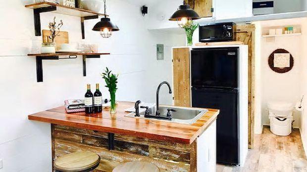 airbnb: Darrel