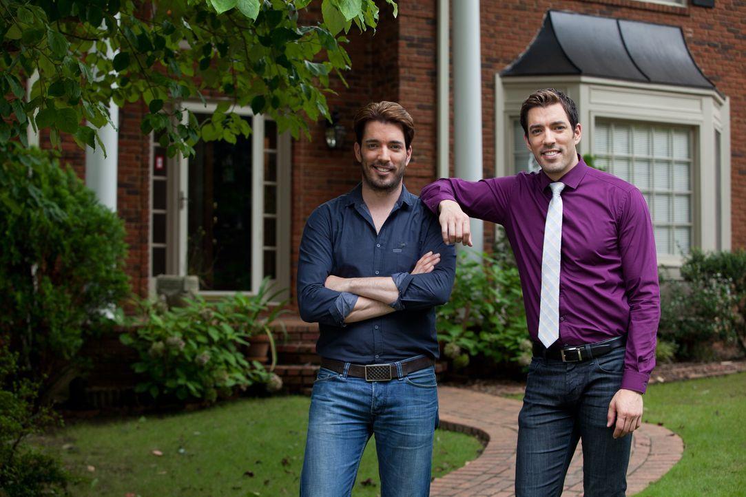Die Brüder Jonathan (l.) und Drew (r.) wollen für ihre Kunden das Bestmögliche herausholen, was mit dem Budget möglich ist. Auch in diesem Fall bede... - Bildquelle: Jessica McGowan 2014, HGTV/Scripps Networks, LLC. All Rights Reserved