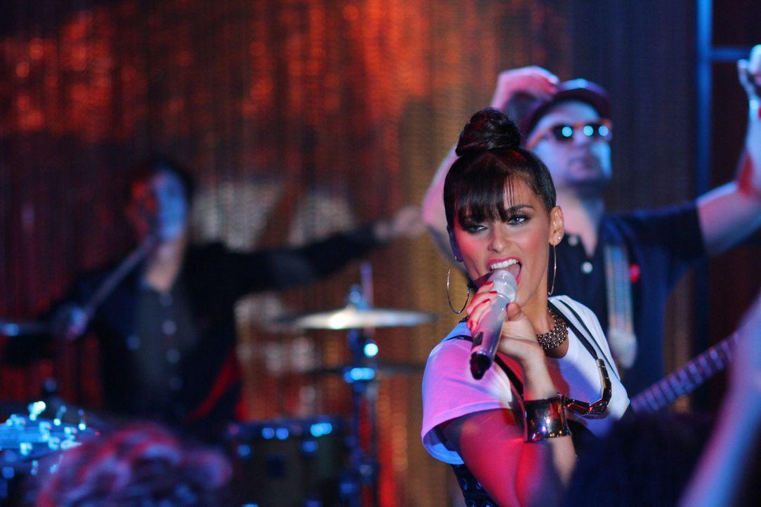 """Sorgt für gute Stimmung bei der großen Neueröffnung des """"Offshore?: Nelly Furtado (Nelly Furtado) - Bildquelle: 2012 The CW Network. All Rights Reserved."""