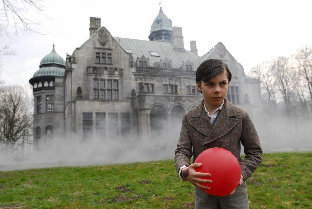 Mysteriös: Welches Geheimnis umgibt den kleinen Eric (Dario Stankewitz)? - Bildquelle: Uwe Ernst ProSieben