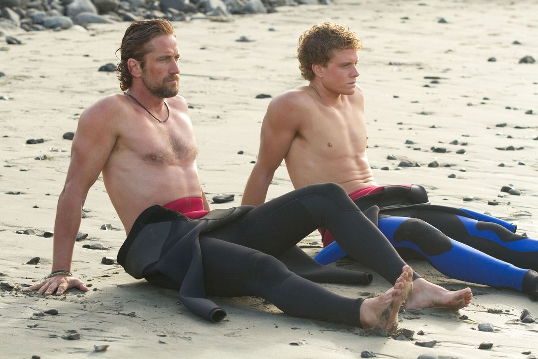 Nur 12 Wochen bleiben dem jungen Jay Moriarity (Jonny Weston, l.) und seinem Lehrer Frosty Hesson (Gerard Butler, r.) für ein knallhartes Training,... - Bildquelle: John P. Johnson 2011 Twentieth Century Fox Film Corporation and Walden Media, LLC. All Rights Reserved.