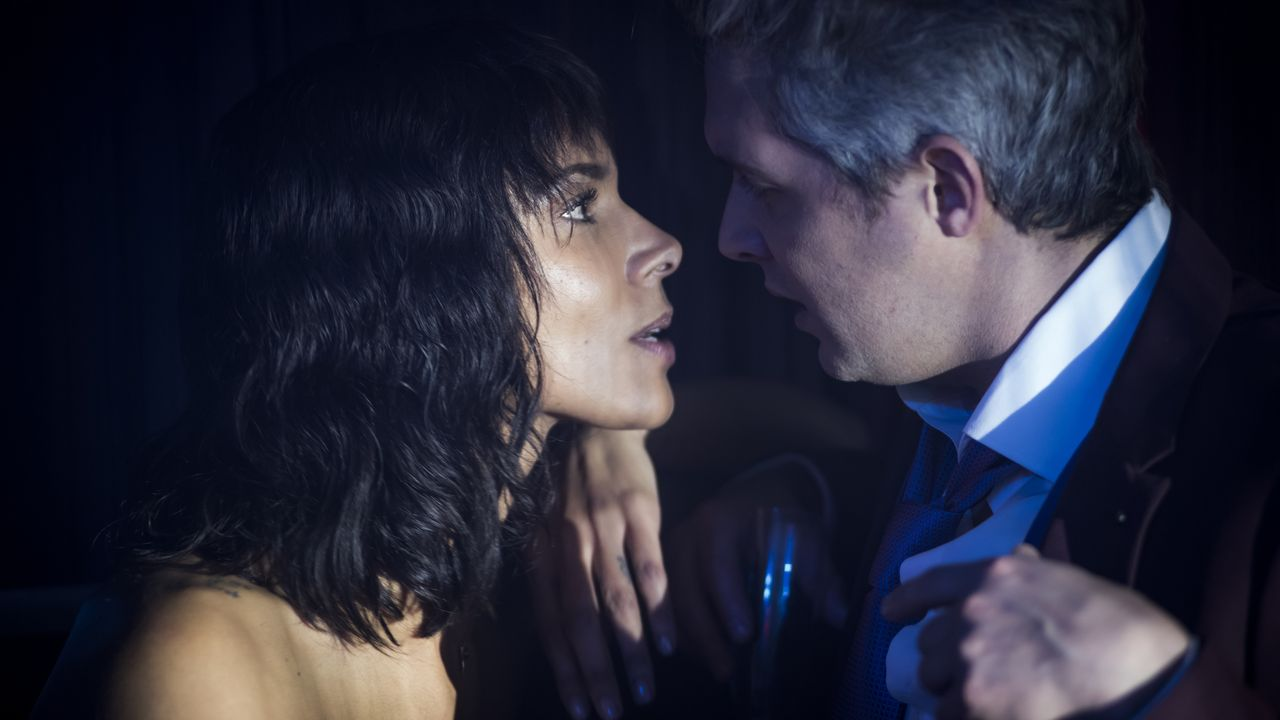 Elisa Bergman (Shy'm, l.); Geoffrey Hoslin (Sylvain Dieuaide, r.) - Bildquelle: Nicolas Roucou 2020 BEAUBOURG AUDIOVISUEL / TF1 / Nicolas Roucou
