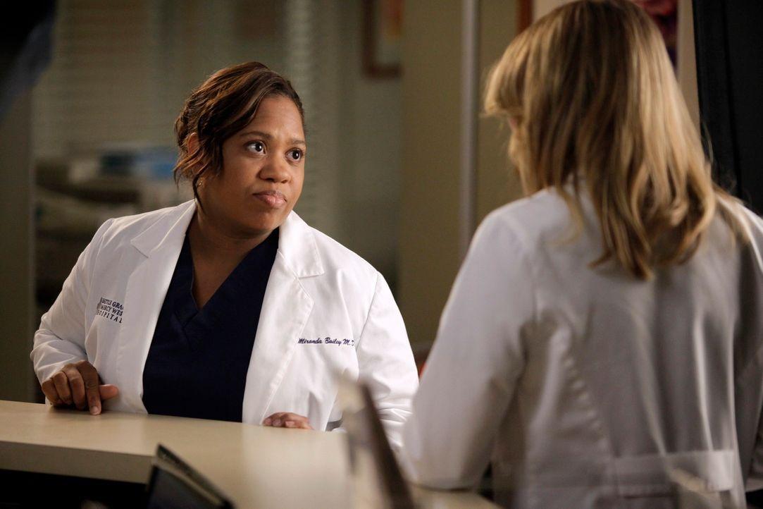 Ein anstrengender Arbeitstag wartet auf Bailey (Chandra Wilson, l.) und Meredith (Ellen Pompeo, r.) ... - Bildquelle: ABC Studios