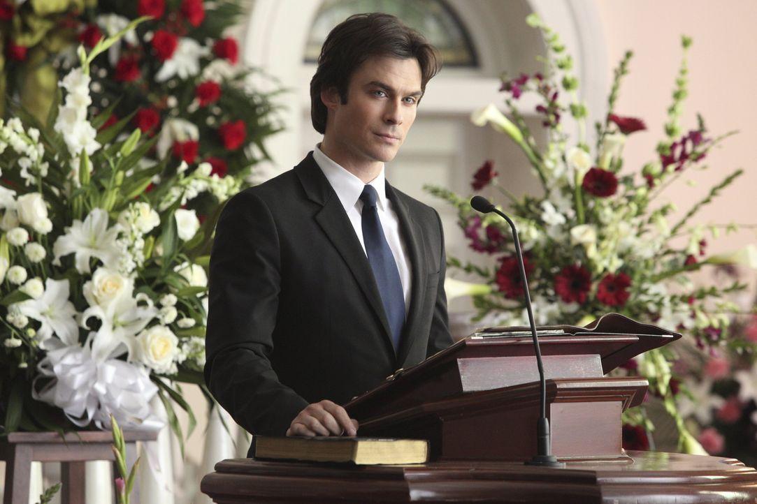 Damon unterstützt Caroline wo er kann - Bildquelle: Warner Bros. Entertainment Inc.