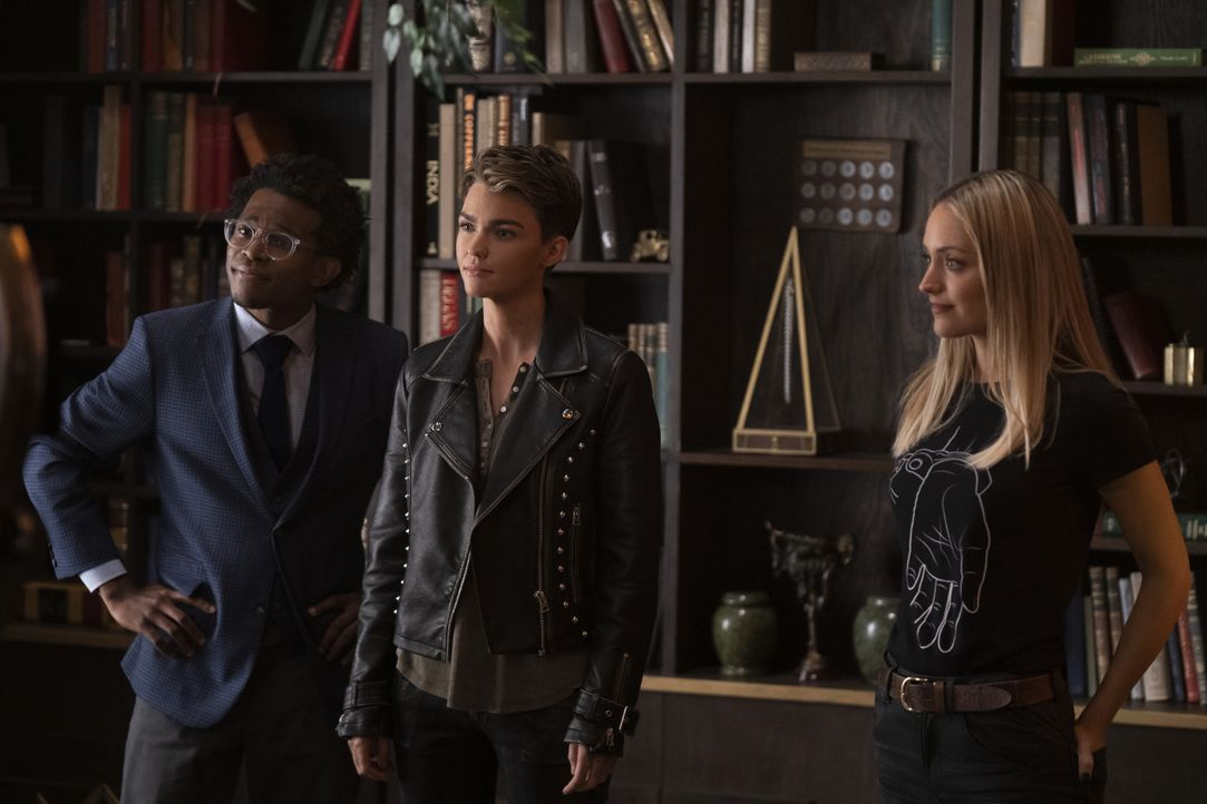 (v.l.n.r.) Luke Fox (Camrus Johnson); Kate Kane (Ruby Rose); Julia Pennyworth (Christina Wolfe) - Bildquelle: Michael Courtney 2019 The CW Network, LLC. All rights reserved. / Michael Courtney