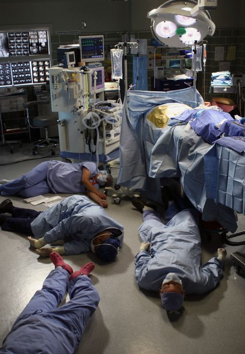 Eine Patientin die etwas Toxisches im Blut hat, legt einige Ärzte und Schwestern lahm ... - Bildquelle: Touchstone Television