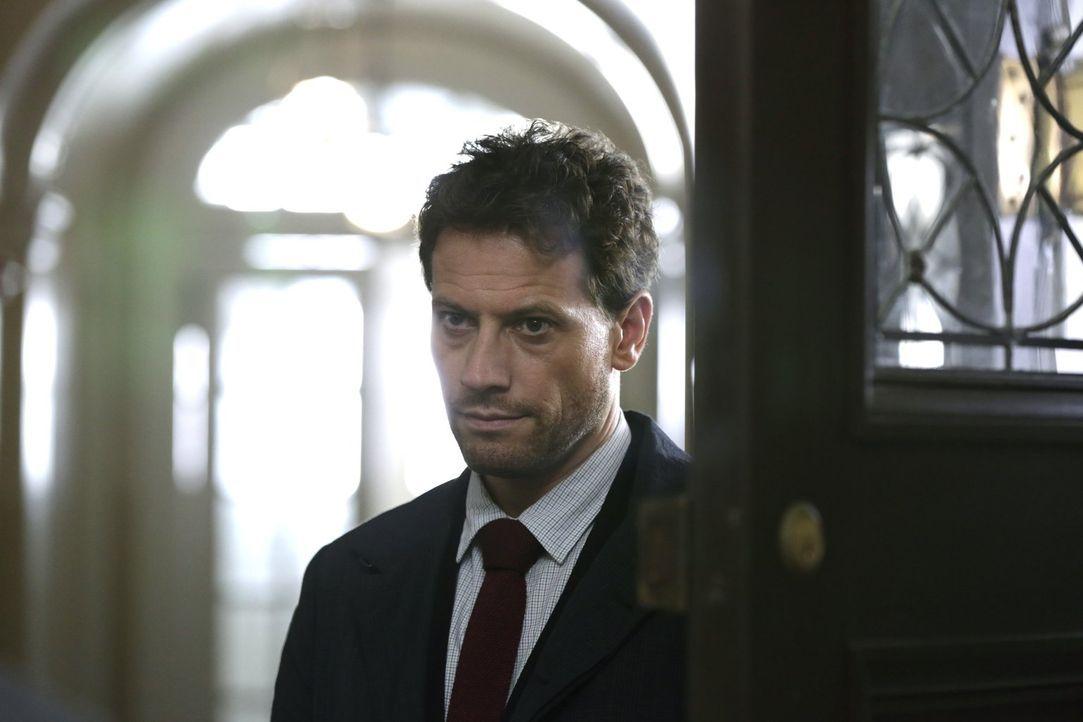 Henry (Ioan Gruffudd) weiß, dass Fehler in der Vergangenheit einen immer wieder einholen können ... - Bildquelle: Warner Brothers