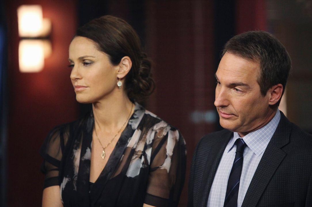 Stehen vor einer schweren Entscheidung: Violet (Amy Brenneman, l.) und Sheldon (Brian Benben, r.) ... - Bildquelle: ABC Studios