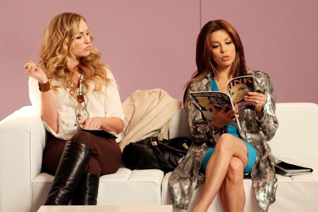 Während Preston aus Europa zurückkehrt reisen Gaby (Eva Longoria, r.) und Angie (Drea de Matteo, l.) nach New York, um Danny und Ana zu suchen ... - Bildquelle: ABC Studios