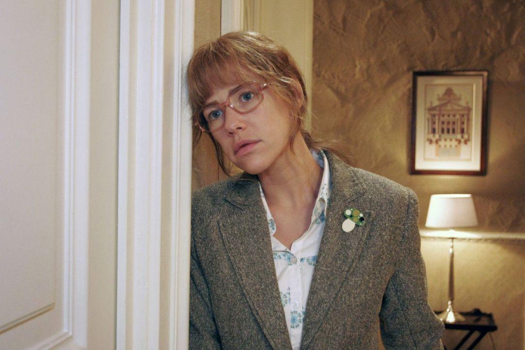 Lisa (Alexandra Neldel) versucht sich einzureden, dass David nichts passiert ist. - (Dieses Foto von Alexandra Neldel darf nur in Zusammenhang mit d... - Bildquelle: Monika Schürle Sat.1