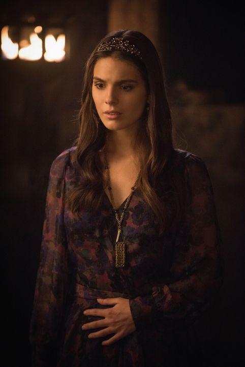 Für Kenna (Caitlin Stasey) könnte die Affäre mit Renaud mehr als unglücklich enden ... - Bildquelle: Christos Kalohoridis 2014 The CW Network, LLC. All rights reserved.