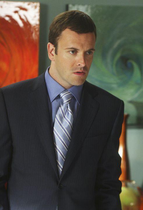 Noch zögert der Anwalt: Eli (Jonny Lee Miller) will erst wieder einen Fall übernehmen, wenn er neue Visionen hat ... - Bildquelle: Disney - ABC International Television