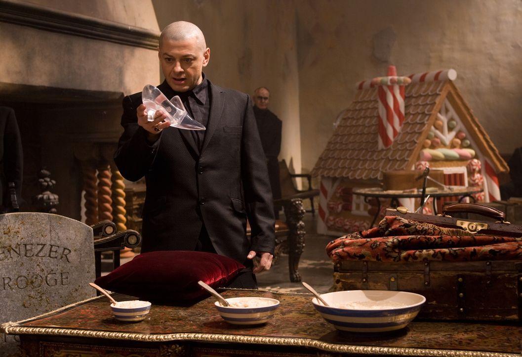 Was hat der düstere Capricorn (Andy Serkis) wirklich vor? - Bildquelle: Warner Brothers