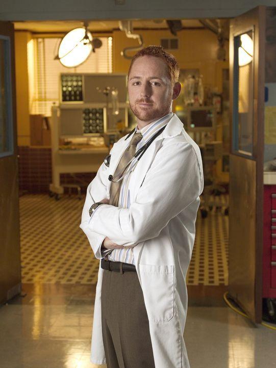 (13. Staffel) - Immer im Einsatz, um Leben zu retten: Dr. Morris (Scott Grimes) ... - Bildquelle: Warner Bros. Television