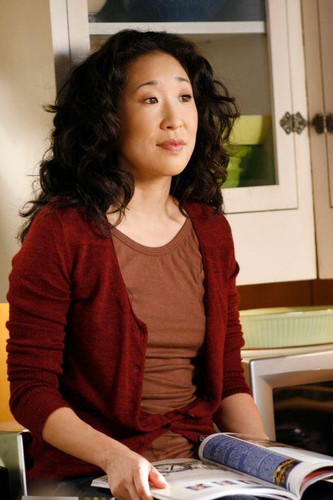 Cristina (Sandra Oh) kann es nicht fassen, dass Meredith und Derek Sex hatten und will nun von ihr wissen, wie es zwischen den beiden weiter geht ... - Bildquelle: Touchstone Television
