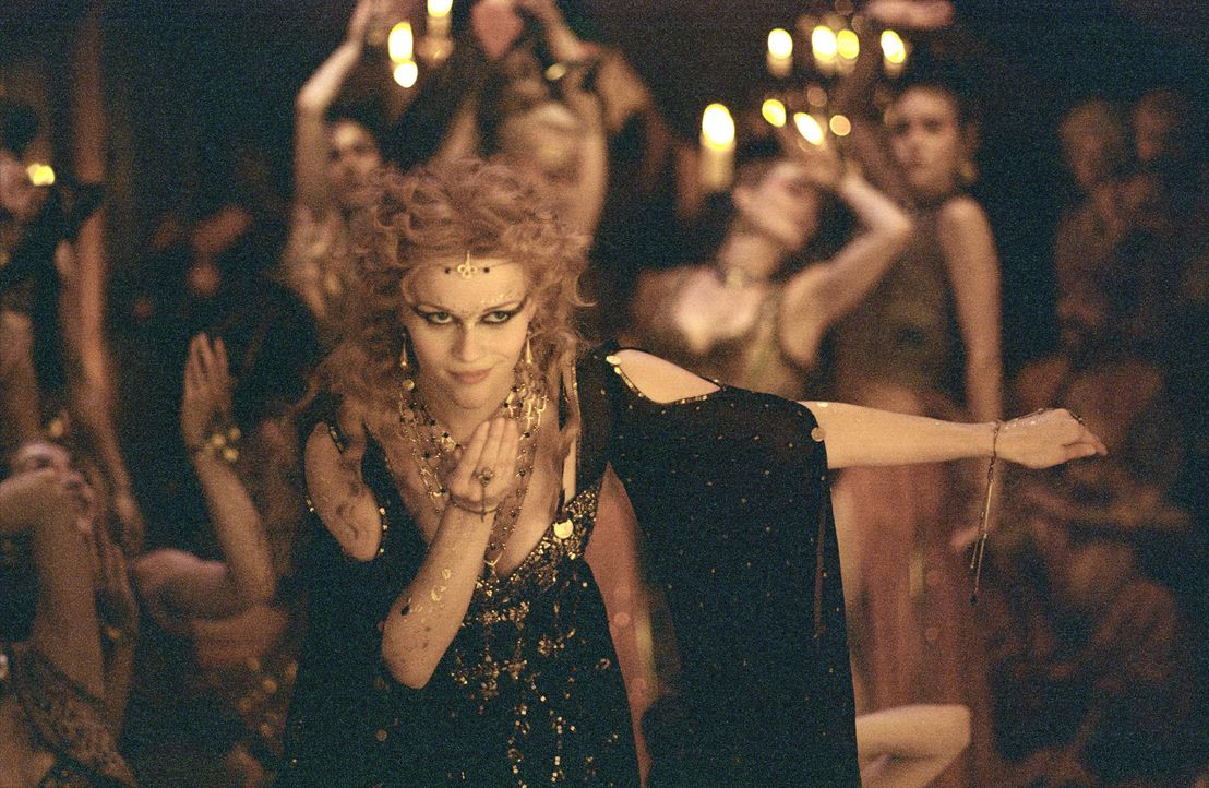 Becky Sharp (Reese Witherspoon) hat sich in den Kopf gesetzt, der Armut und dem Schmutz der Straßen zu entgehen und, koste es was es wolle, die soz... - Bildquelle: Granada Film Productions