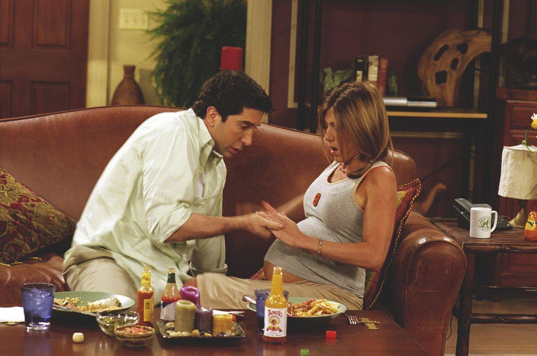 Ross (David Schwimmer) und Rachel (Jennifer Aniston) warten auf die Wehen. - Bildquelle: TM+  WARNER BROS.