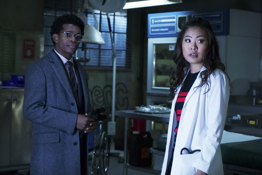 Luke Fox (Camrus Johnson, l.); Mary Hamilton (Nicole Kang, r.) - Bildquelle: 2020 The CW Network, LLC. All rights reserved.