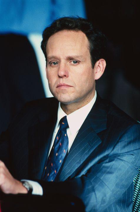 Bei seinem neuesten Fall muss John (Peter MacNicol) einen Nachrichtensprecher vertreten, der etwas zu sehr an der Wahrheit festgehalten hat ... - Bildquelle: 2000 Twentieth Century Fox Film Corporation. All rights reserved.