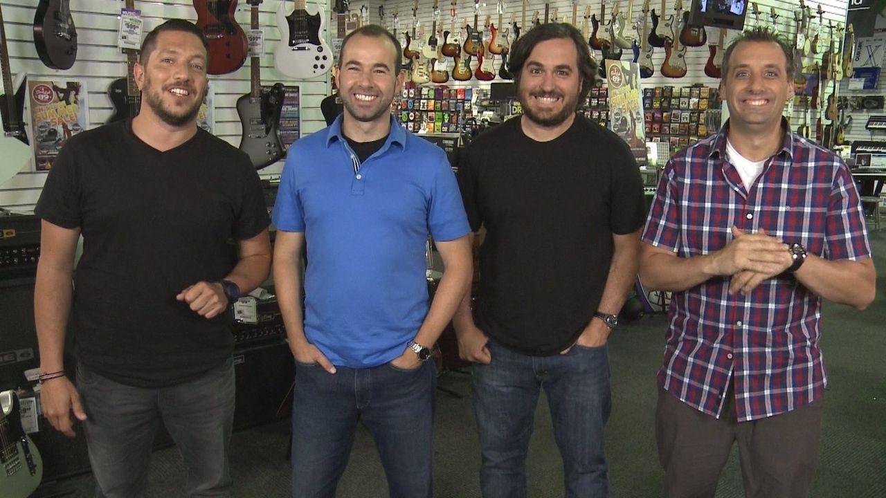 """Wahre Musiker - oder auch nicht: (v.l.n.r.) Sal, James """"Murr"""", Brian """"Q"""" und Joe ... - Bildquelle: 2014 Warner Bros."""