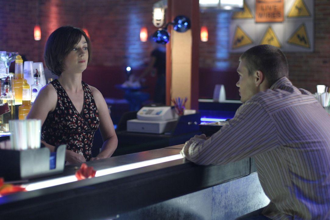 Karen (Moira Kelly, l.) stellt Lucas (Chad Michael Murray, r.) das erste Mal ihre neue Flamme vor ... - Bildquelle: Warner Bros. Pictures