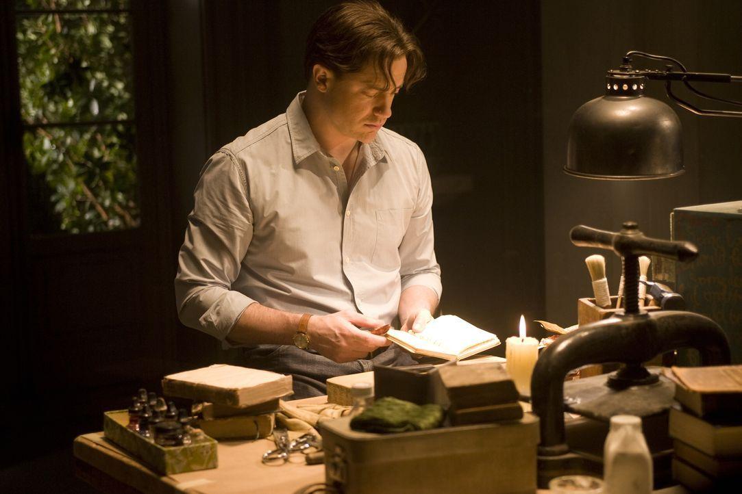 """Der Buchbinder Mo (Brendan Fraser) ist eine sogenannte """"Zauberzunge"""". Das heißt, dass er Figuren und andere Dinge durch lautes Vorlesen aus Büchern... - Bildquelle: Warner Brothers"""