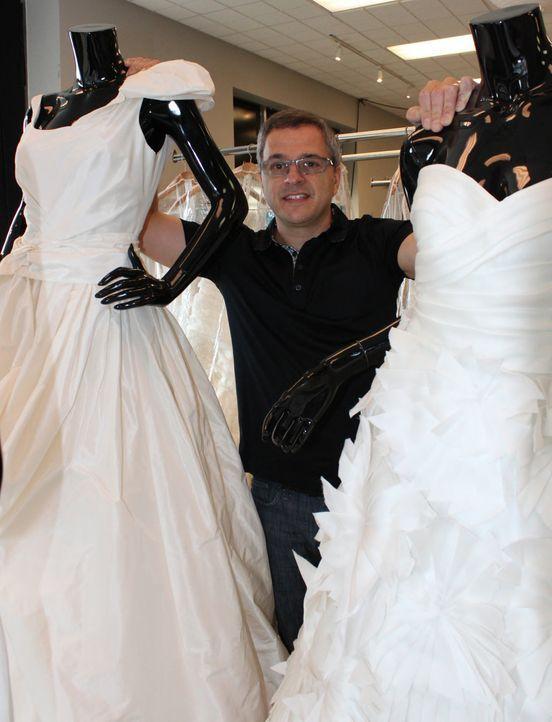 Eigentlich könnte sich keine seiner Kundinnen ein Designer-Hochzeitskleid leisten, aber Rick DeAngelo und seine Frau haben wahre Schnäppchen in ihre... - Bildquelle: TLC