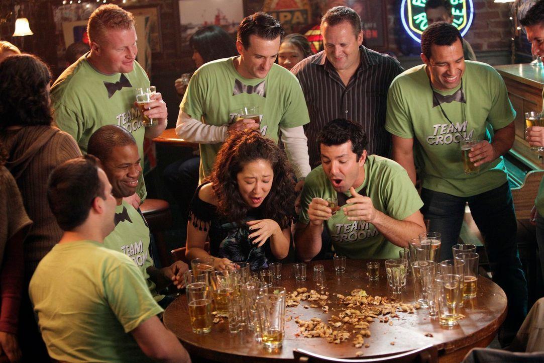Nachdem Cristina (Sandra Oh, M.) ihren Job als Ärztin an den Nagel gehängt hat, arbeitet sie in Joe's Bar und weiß, wie sie die Gäste zum trinken mo... - Bildquelle: ABC Studios