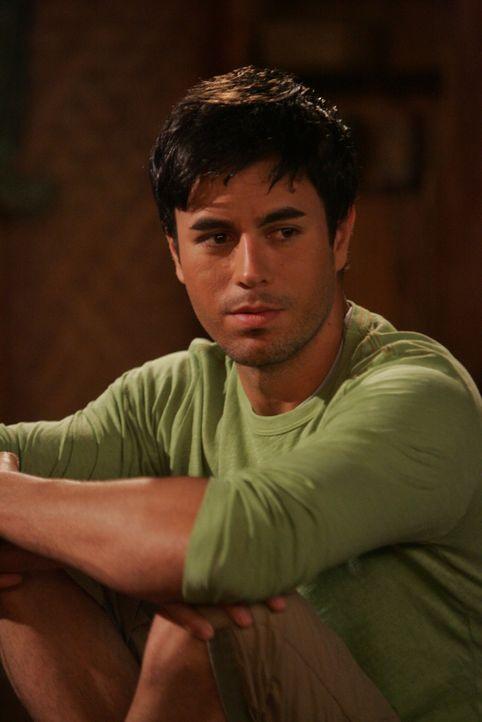 Hat großen Erfolg bei Frauen: Robins neuer Freund Gael (Enrique Iglesias) ... - Bildquelle: 20th Century Fox International Television