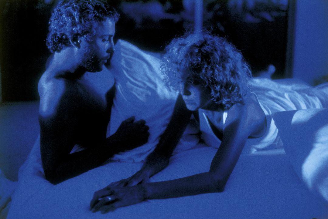 Molly Graham (Kim Greist, r.) macht sich große Sorgen um ihren Mann Will (William L. Petersen, l.), der auf der Jagd nach einem psychopathischen Se...