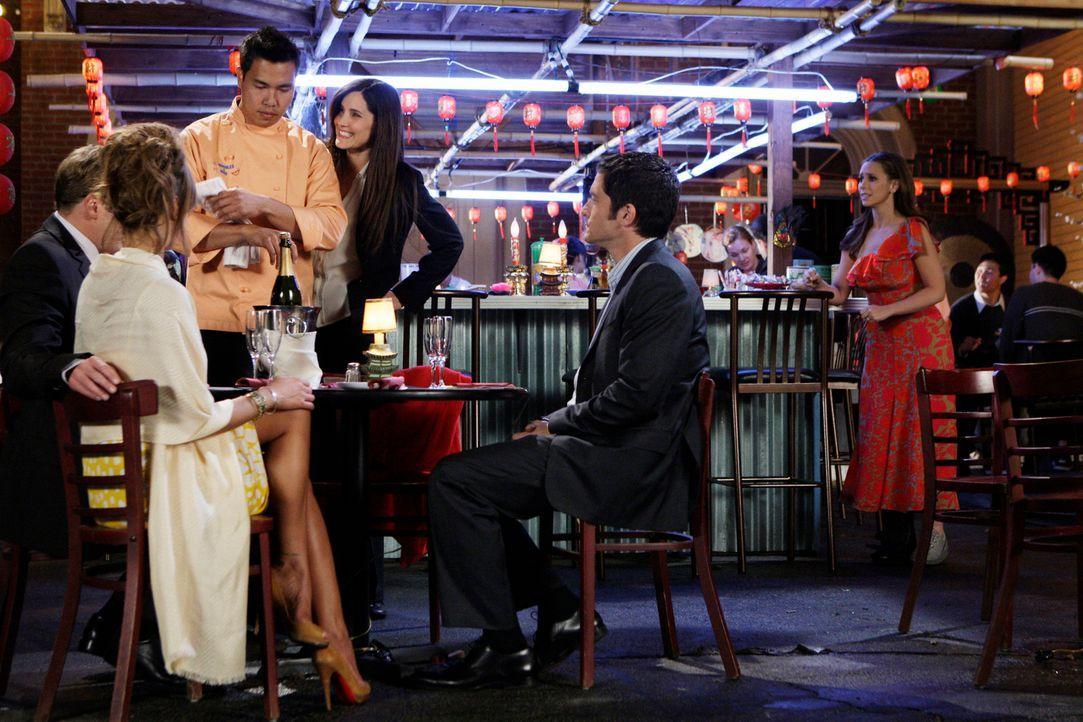 Rick (Jay Mohr, l.), Nina (Nikki Cox, 2.v.l.), Jim (David Conrad, 2.v.r.) und Melinda (Jennifer Love Hewitt, r.) treffen sich zu einem gemeinsamen E... - Bildquelle: ABC Studios