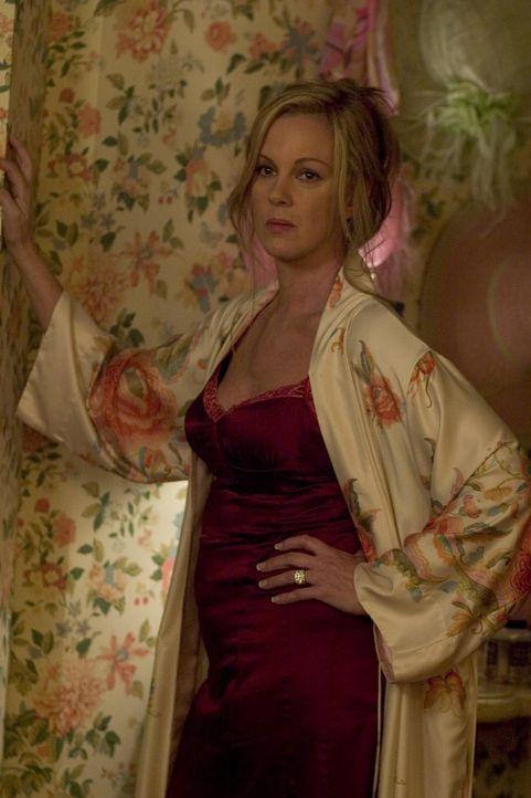Sinnt auf Rache: Celia (Elizabeth Perkins) ... - Bildquelle: Lions Gate Televison